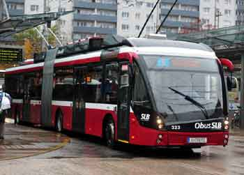 Modern articulated trolleybus in Salzburg.